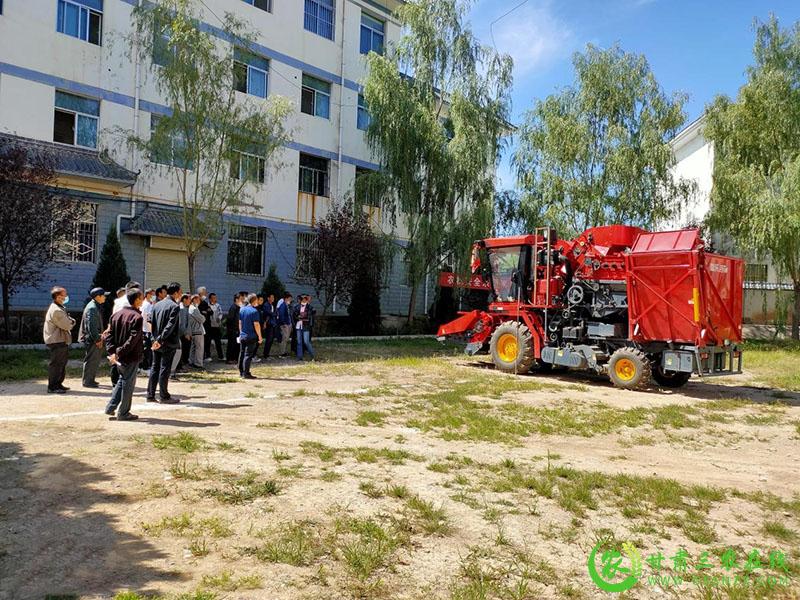 泾川县农机化中心组织开展农机驾驶员培训考证工作
